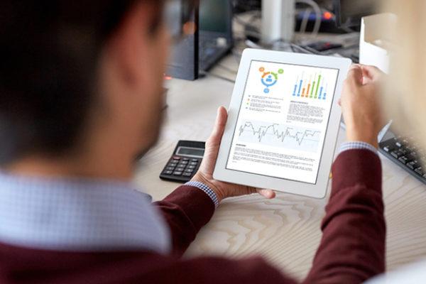Digitalizzazione delle imprese italiane: uno studio dell'ISTAT tra casi di successo e cauti approcci alle tecnologie.
